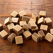巧克力奶油方块威化饼干